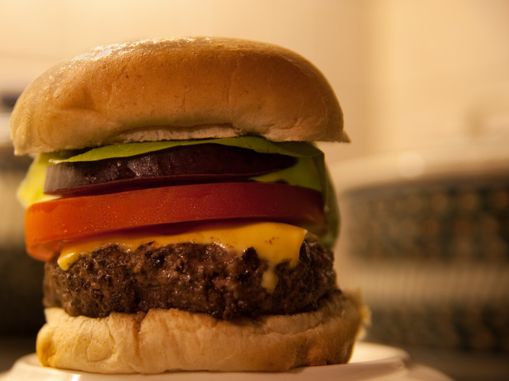 Photo of Cheeseburgers cooked with Pantelligent's smart frying pan